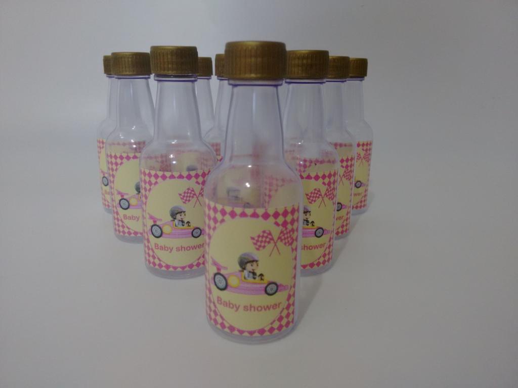 Mini garrafas personalizadas - Menina em Carro de Corrida